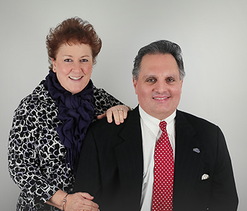 Photo of Dana Bain and Robin Bain